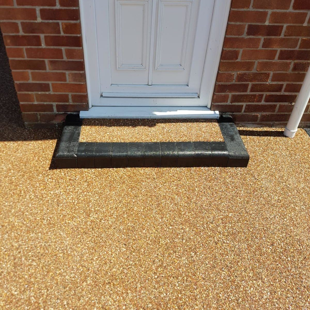 RESIN BOUND DRIVEWAY AND STEP - EVENING ROSE