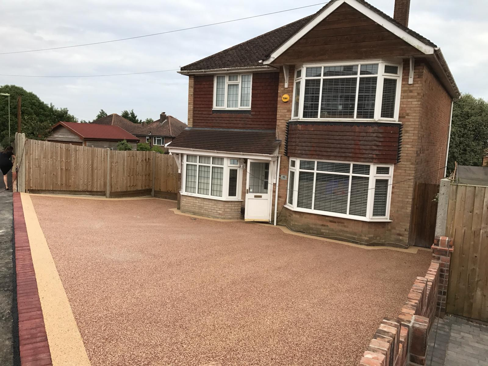RESIN BOUND DRIVEWAY - TRANSCENDENCE WITH MEADOW BORDER
