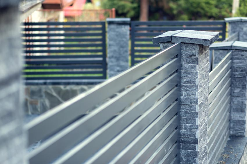 KOLA-CONSTRUCTION-METAL-FENCING-BUILD-HAMPSHIRE