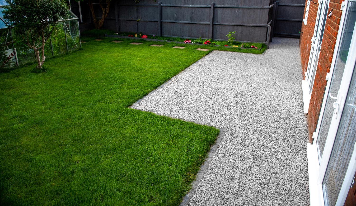 Resin-Bound-Company-in-Dorset-Garden-Paths-Patio-Landscape-Driveways