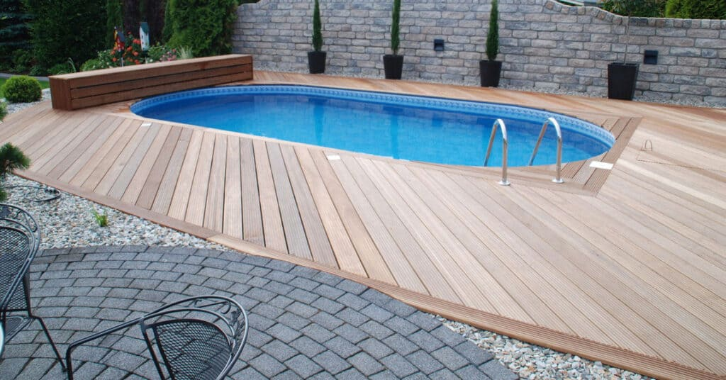 composite-decking-around-swimming-pool